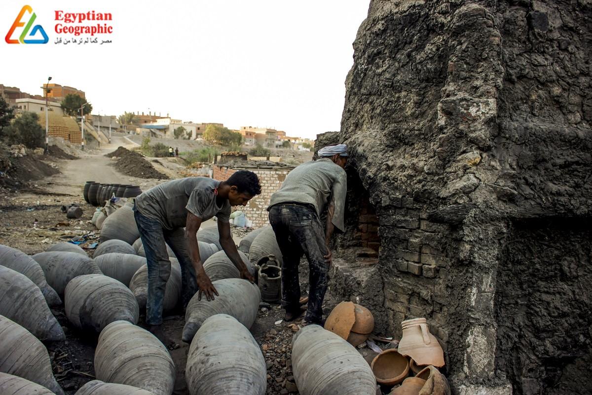 قرية النزلة رائدة صناعة الفخار اليدوي