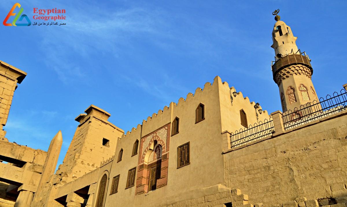 مسجد أبو الحجاج الاقصري بين الأثار المصرية القديمة